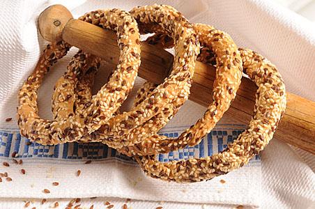 Κρικάκια με Λινάρι & Σουσάμι-breadrings with linseed & sesame
