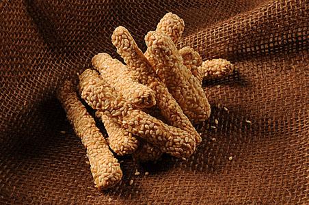 Μπατονέτες Σουσαμένιες--mini breadsticks with sesame